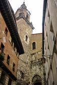 Weergave van de san miguel toren van de ingang kant in vitoria — Stockfoto