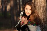Chica rusa en headscarve nacional — Foto de Stock