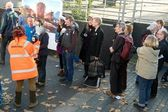 Public visiting Greenpeace's Rainbow Warrior III — Stock Photo