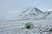 Camp in Tien Shan mountains, Ak-Shirak region, Kyrgyzstan — Stock Photo