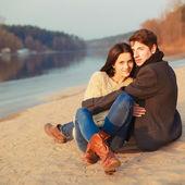 Couple sur la plage — Photo