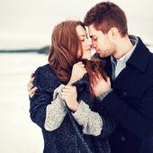 Winter portret van verliefde paar — Stockfoto