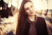 Jonge sensuele vrouw in het voorjaar van. — Stockfoto