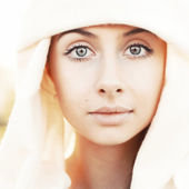 Woman in scarf. — Stock Photo