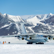 Foto Stock: Airplane IL - 76 in Antarctica