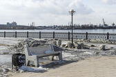 安加拉河、 伊尔库次克,俄罗斯的堤防 — 图库照片