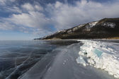 Endless ice vastness of winter Baikal lake — Stock Photo