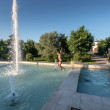 Teenage boys having fun in a fountain in Vladimir city, Russia — ストック写真