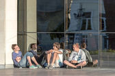 Teenage boys resting near the Drama theatre in Vladimir city, Russia — Stock Photo