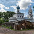 Nicholas Pensky church in slums of Yaroslavl town, Russia — Stock Photo