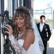The beautiful bride smiling outdoors — Stockfoto