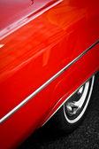Eski model kırmızı araba detay — Stok fotoğraf