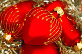 Red heart Christmas balls — ストック写真