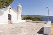 Typical Greek orthodox church found on the Aegean islands — Foto de Stock