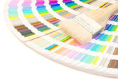 Color guide and brush with clipping path — Stock Photo