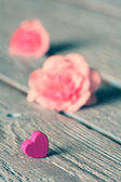 Gentle pink rose and heart . — 图库照片