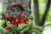 树上的圣诞花环 — 图库照片