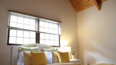 Beautiful sunny bedroom — Stock Video