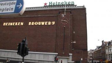 アムステルダムのハイネケン醸造所 — ストックビデオ