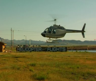 Helicopter lands — Stock Video