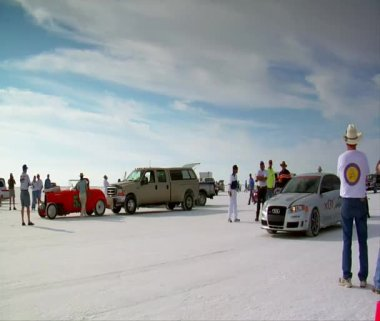Audi sedan takes off on Bonneville salt Flats — Stock Video
