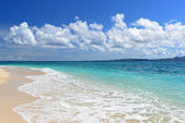 Summer sky and beautiful beach of Okinawa — Stockfoto