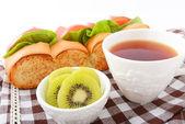 Desayuno de pan fresco y sabroso — Foto de Stock