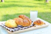 Fresh and tasty bread breakfast — Stock Photo