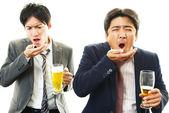Men drinking beer — Stock Photo