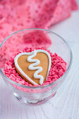 Heart shape Valentine gingerbread Cookie in a glass — Stock Photo