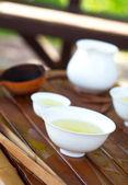 Akcesoria do tradycyjnych chińskich ceremonii parzenia herbaty, selektywne focus na — Zdjęcie stockowe