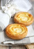 Russian sweet cheese danish — Stock Photo