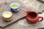 Traditional chinese tea ceremony accessories (cups and pitcher) — Stock Photo