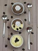 Chocolate and vanilla pudding — Stock Photo