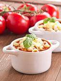 Soupe de tomates au basilic — Photo