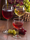 Wino w szklankach — Zdjęcie stockowe