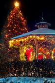 Christmas tree and gazebo — Stock Photo