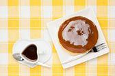 Coffee and cheesecake — Stock Photo