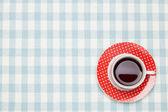 テーブル クロスにコーヒー — ストック写真