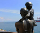 Monument wife sailor in the port of Odessa — Stock Photo