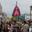 The Chariot passing on Ocean Front Walk street in the 37th Annual Festival of the Chariots — Stock Photo #29411691