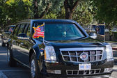 President Barack Obama s limousines passing on the streets of Los Angeles — Stock Photo