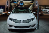 Lincoln MKZ car on display at the LA Auto Show. — ストック写真