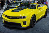 Chevrolet Camaro ZL1 Convertible car on display at the LA Auto S — Zdjęcie stockowe