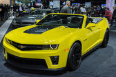 Chevrolet Camaro ZL1 Convertible car on display at the LA Auto S — 图库照片
