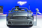 Ford Mustang convertible car on display at the LA Auto Show. — Zdjęcie stockowe
