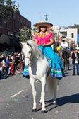 Mujer mexicana en el 115 º desfile anual del dragón de oro, ne lunar — Foto de Stock