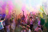 People celebrating Holi Festival of Colors. — Stock Photo
