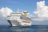 Anchored Cruise Ship — Stock Photo
