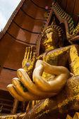 Socha buddhy v chrámu thajsko — Stock fotografie